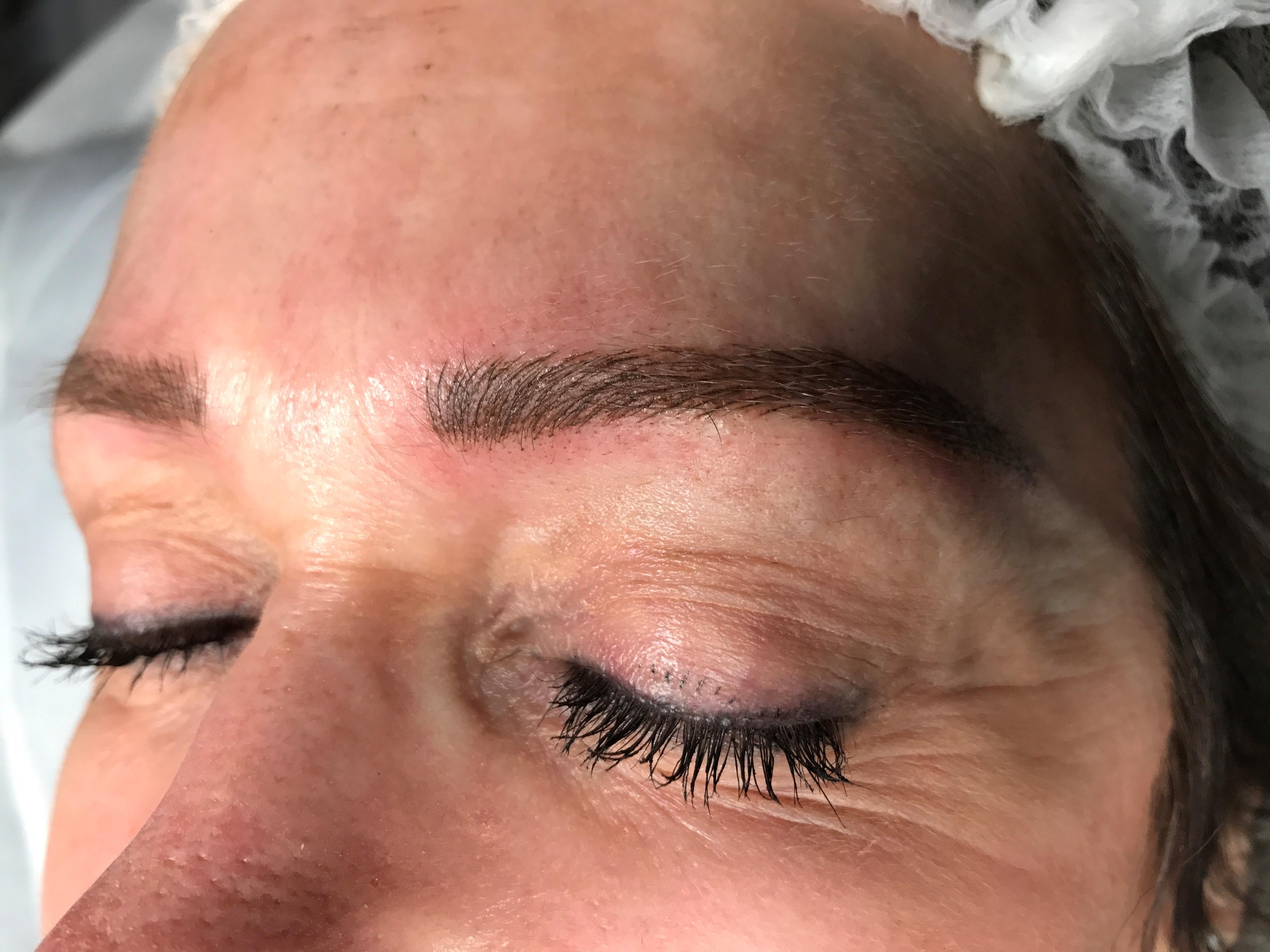 Vania Bailey - Hawke's Bay Make-Up, Brow Artist 42